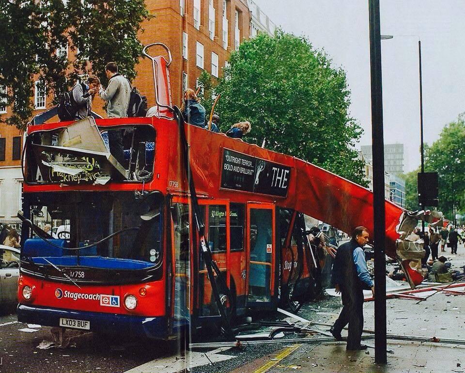 [Bild: London_Bus_bomb_2005.jpg]